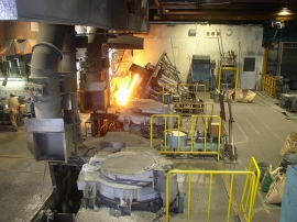 溶解:高周波誘導電気炉